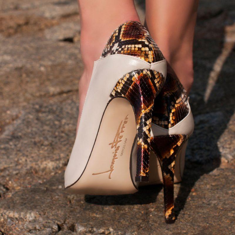 9007-1-Aretha-shoes-pump-python-orange-leather-detail