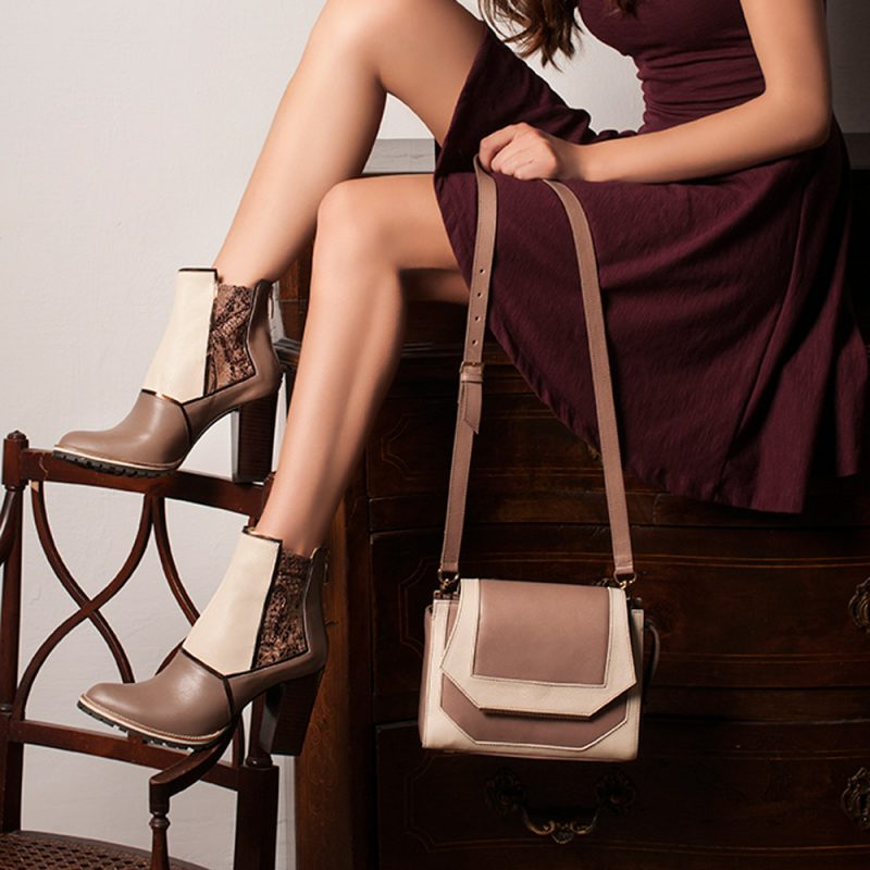 Asine-14015-01-small-shoulder-nude-leather-bag-joaquim-ferrer