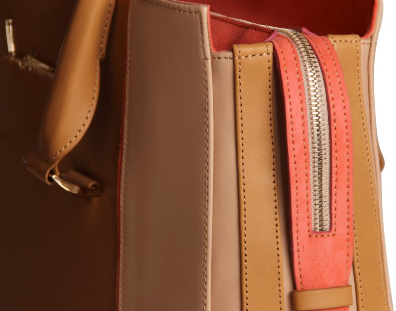 13001-12-Dyna-handbag-tan-calfleather-detail